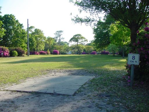 Tee box view of Hole #8 (#17) at Park Circle Disc Golf Course.