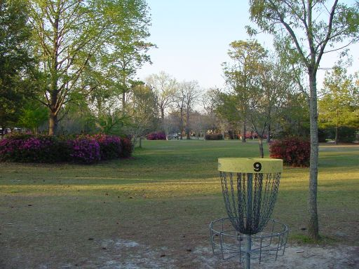 Basket view of Hole #9 (#18) at Park Circle Disc Golf Course.